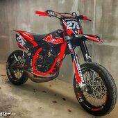 🔴⚫️ Moto de la semaine chez @maxiscoot_officiel 🔥Vous validez ? 👌  #gotamdesign #moto #ktm #husqvarna #yamaha #kawasaki #suzuki #honda #beta #derbi #sherco #fantic #gilera #rieju #bikelife #supermot #motocross #enduro #50cc #85cc #125cc #250cc #300cc #450cc #500cc #2stroke #4stroke #ride #grenzgaenger #chrome