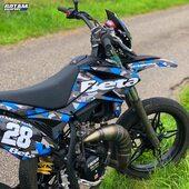 🔵⚫️ Du monde qui roule en camo ? 🤷♂️  #gotamdesign #moto #ktm #husqvarna #yamaha #kawasaki #suzuki #honda #beta #derbi #sherco #fantic #gilera #rieju #bikelife #supermot #motocross #enduro #50cc #85cc #125cc #250cc #300cc #450cc #500cc #2stroke #4stroke #ride #grenzgaenger #chrome