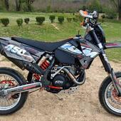 🟠⚫️ KTM 450 EXC rajeunie par son nouveau kit déco 100% perso ✨🔥  #gotamdesign #moto #ktm #husqvarna #yamaha #kawasaki #suzuki #honda #beta #derbi #sherco #fantic #gilera #rieju #bikelife #supermot #motocross #enduro #50cc #85cc #125cc #250cc #300cc #450cc #500cc #2stroke #4stroke #ride #grenzgaenger #chrome