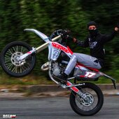 🔴⚪️ Qui va rouler ce week-end ? ✊💨  #gotamdesign #moto #ktm #husqvarna #yamaha #kawasaki #suzuki #honda #beta #derbi #sherco #fantic #gilera #rieju #bikelife #supermot #motocross #enduro #50cc #85cc #125cc #250cc #300cc #450cc #500cc #2stroke #4stroke #ride #grenzgaenger #chrome