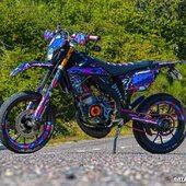 🔵🟣 Quelle note donnerais-tu pour cette MRT Gotamisée ? 🚀 1️⃣-🔟  #gotamdesign #moto #ktm #husqvarna #yamaha #kawasaki #suzuki #honda #beta #derbi #sherco #fantic #gilera #rieju #bikelife #supermot #motocross #enduro #50cc #85cc #125cc #250cc #300cc #450cc #500cc #2stroke #4stroke #ride #grenzgaenger #chrome